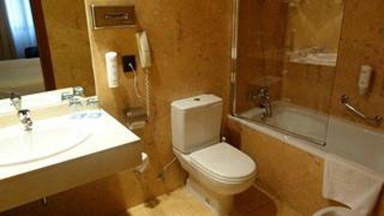 Tryp Madrid Atocha Hotel: salle de bains 2