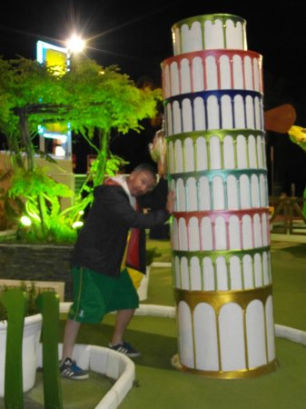 Parque de minigolf: Hold on