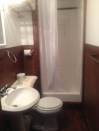 The Perch Resort: A private bathroom :)