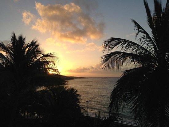 Frenchman's Reef & Morning Star Marriott Beach Resort: Sunrise from the room.