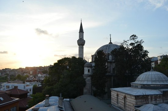 Sultanahmet Cesme Hotel: Roof top terrace view