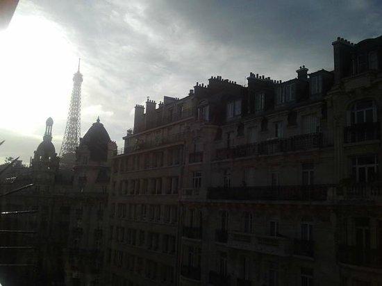 Passy Eiffel Hotel: vistas