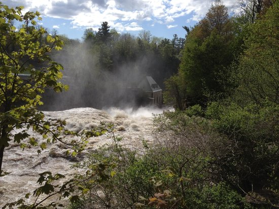 Ausable River: beautiful falls at Ausable Chasms