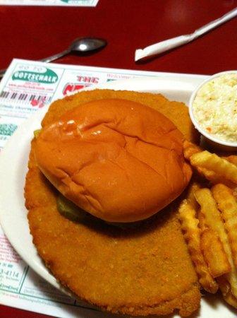 Streamliner Restaurant: Pork Tenderloin Sandwich