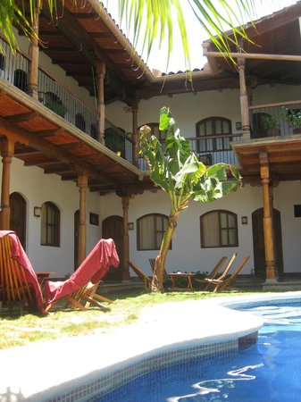 Hotel Patio del Malinche : View from the pool