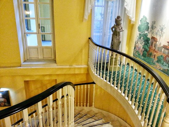 Hotel Victoria : Beautiful staircase
