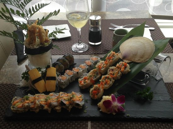 Asian Temptation: Our sushi dinner!