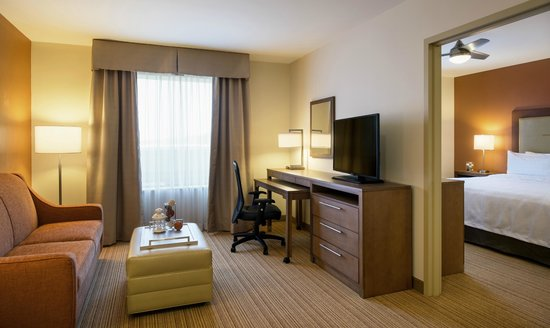 Homewood Suites by Hilton Winnipeg Airport-Polo Park, MB: Spacious rooms