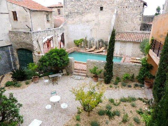 Hôtel d'Arlatan : プールもあります!