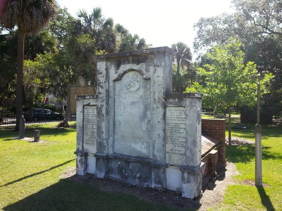 Colonial Park Cemetery: Colonial Cemetery May 2014