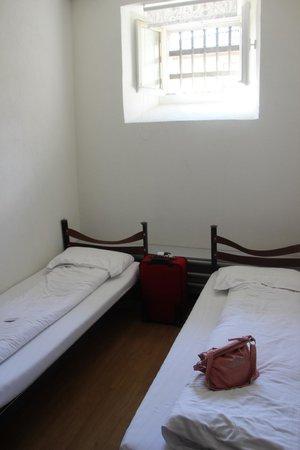 Jailhotel Löwengraben: beds