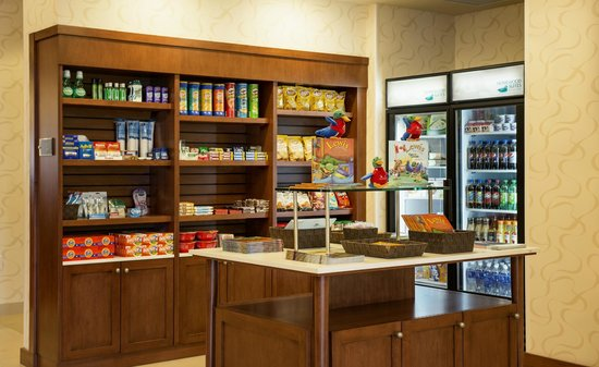 Homewood Suites by Hilton Winnipeg Airport-Polo Park, MB : Snacks and drinks available 24hrs