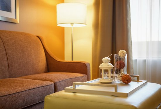 Homewood Suites by Hilton Winnipeg Airport-Polo Park, MB : Comfortable pull out sofas in all rooms