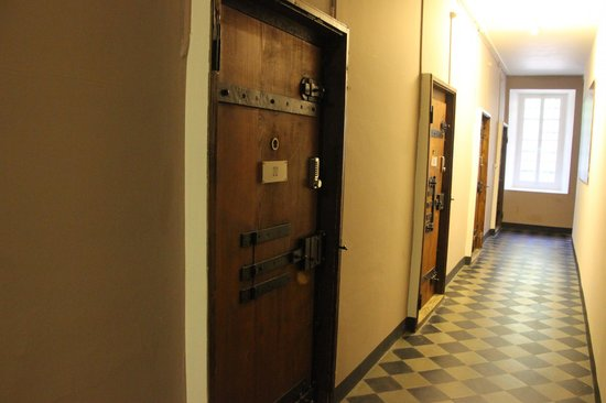 Jailhotel Loewengraben: the cool doors