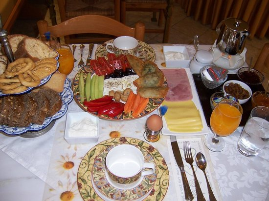 "Atsipopoulo, Greece: Example o the ""Calergi Residence"" extraordinary breakfast"