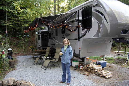 Honey Bear Campground: Honey Bear extended stay campsite