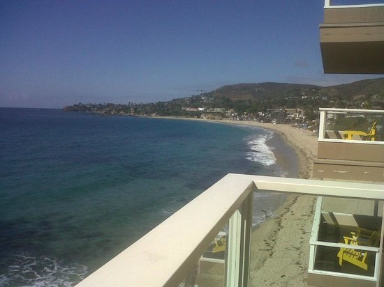 Pacific Edge Hotel on Laguna Beach: View to main beach from our room.