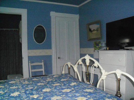 Victorian Bed & Breakfast : Closet