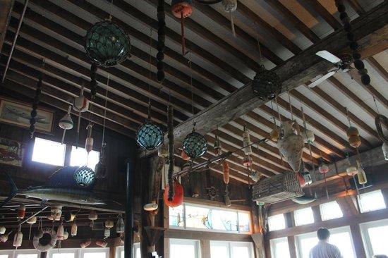 Landfall Restaurant: Buoys & More
