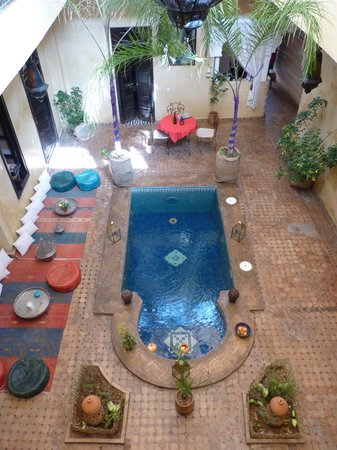 Riad Suliman : courtyard with plunge pool
