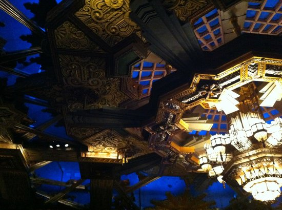 Pantages Theatre: Gorgeous ceiling