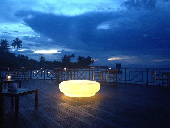 The Sun Siyam Iru Fushi Maldives: Sunset at a restaurant