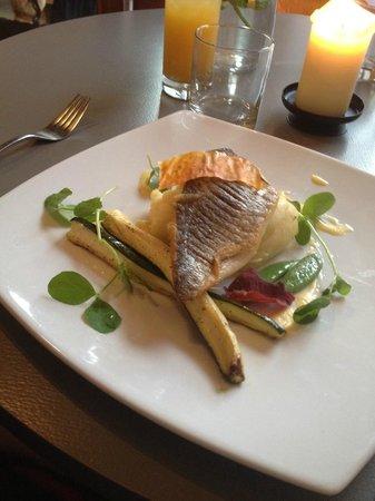 Credo Restaurant: Sea Bream main course