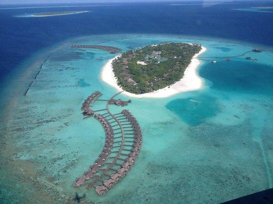 The Sun Siyam Iru Fushi Maldives: View from Seaplane of resort