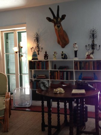 Casa y Museo de Ernest Hemingway: Writing House behind Main House...his writing room