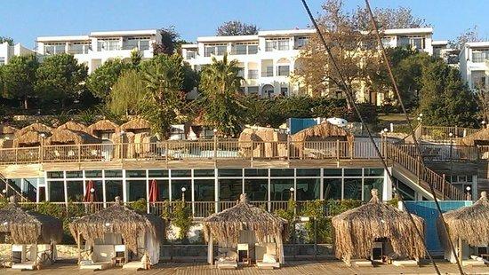 Kadikale Resort : Hotel view from boat trip