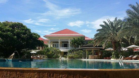 Away Kanchanaburi Dheva Mantra Resort & Spa: สระน้ำระบบเกลือ