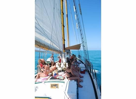Schooner Appledore: Sailing out to the Sand Key Lighthouse