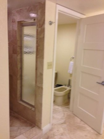 Bonaventure Resort & Spa: Great Bathroom