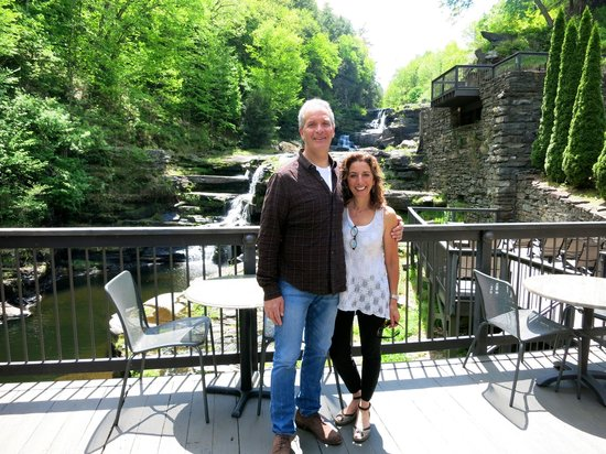 Ledges Hotel: On the deck overlooking the waterfalls