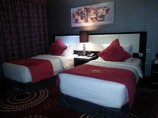 The Royal International Hotel : room