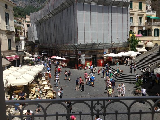 Hotel Fontana: View of Amalfi Cathedral steps and the square from our balcony