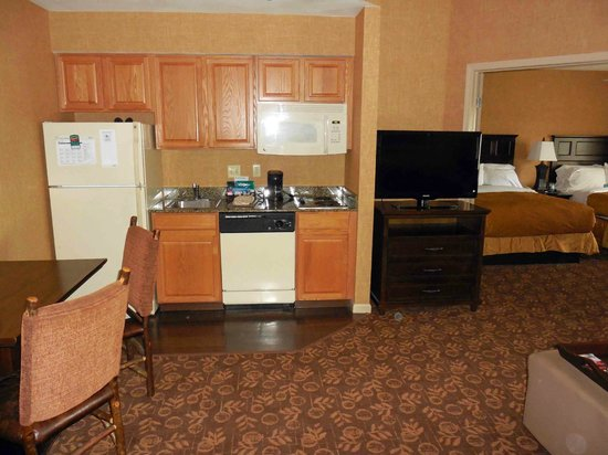 Homewood Suites Syracuse/Liverpool : Full Kitchen