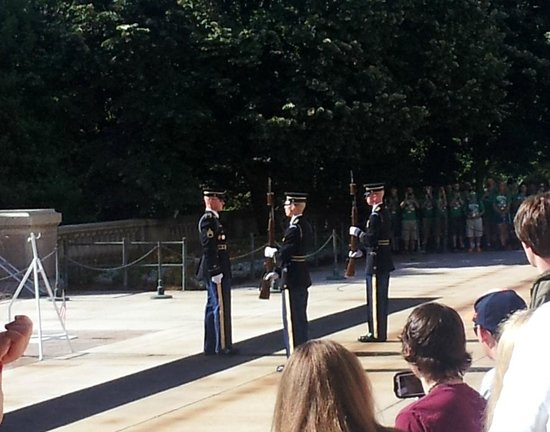 Arlington National Cemetery: Changing of the guard ceremony