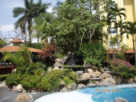 hotel grounds holiday Inn Cuernavaca