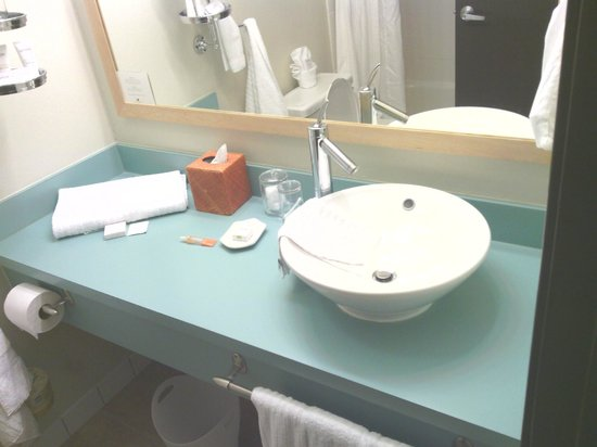 Hotel Avante, a Joie de Vivre Hotel : The bathroom sink