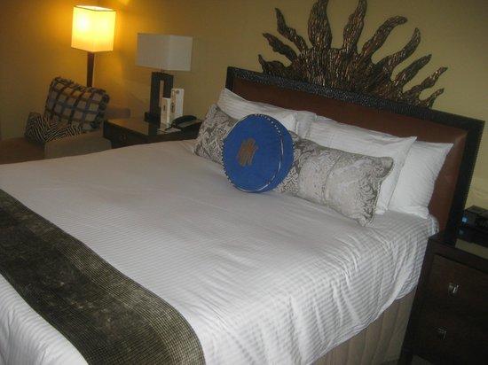 The Heathman Hotel: Bed