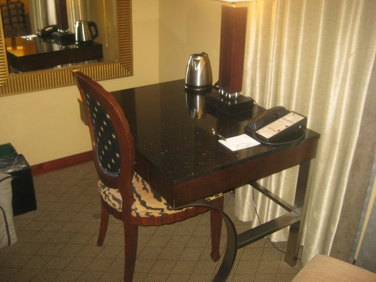 The Heathman Hotel: Desk
