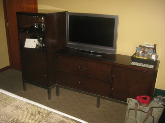 The Heathman Hotel: TV, dresser, etc.