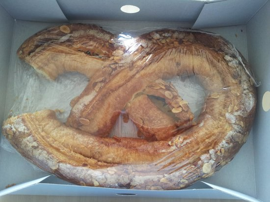 The Solvang Bakery: yum