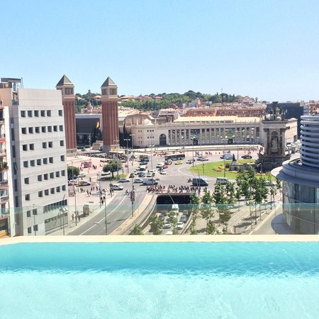 B-Hotel: Roof deck / pool