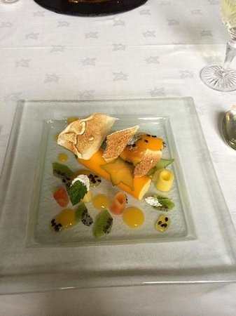 Llangoed Hall: mango parfait