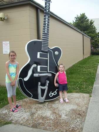 RCA Studio B: big guitar out side of studio b.   ONe of many in nashville