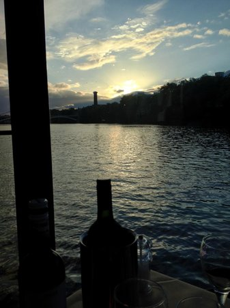 """Bateaux London : View down the Thames from the """"Symphony"""""""