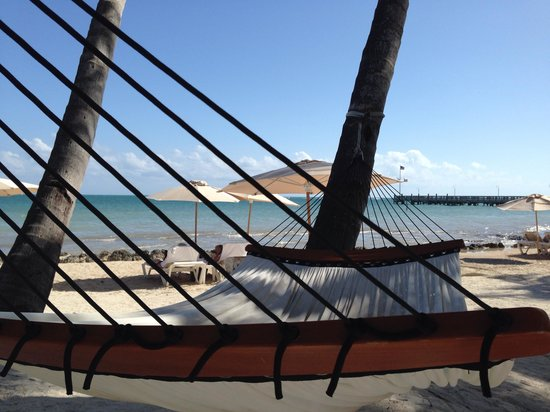 Casa Marina Key West, A Waldorf Astoria Resort: Love the hammocks on the beach