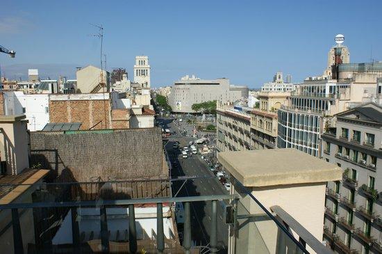 H10 Universitat Hotel: View from the terrace toward Plaza Catalunya